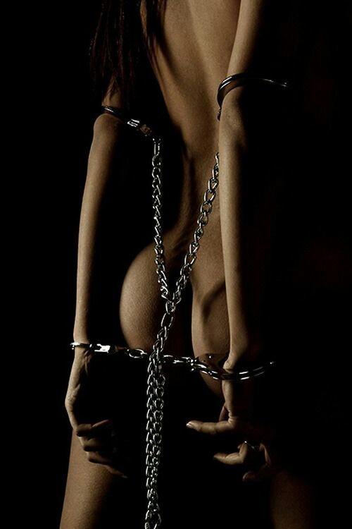 3. Myte: BDSM Involverer Alltid Sex og/eller Vil Lede til Mer Ekstreme Former for Sex